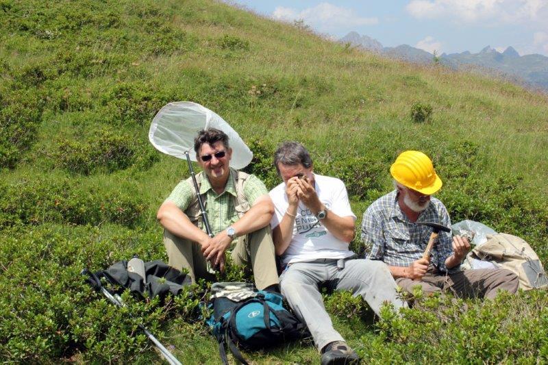 entomologo, micologo e paleontologo al lavoro