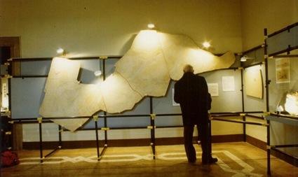 La sala degli icnofossili del vecchio allestimento museale